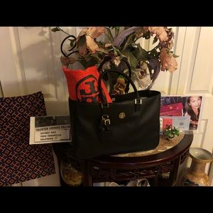 Unused Authentic Tory Burch tote bag